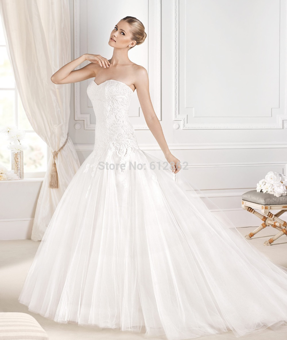 Strapless Sweetheart Ball Gown Lace Long Tail Dropped