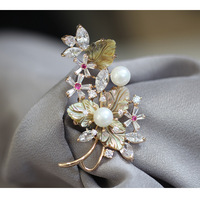 Retro atmosphere shell carved brooch inlaid artificial pearl brooch pin female models for women