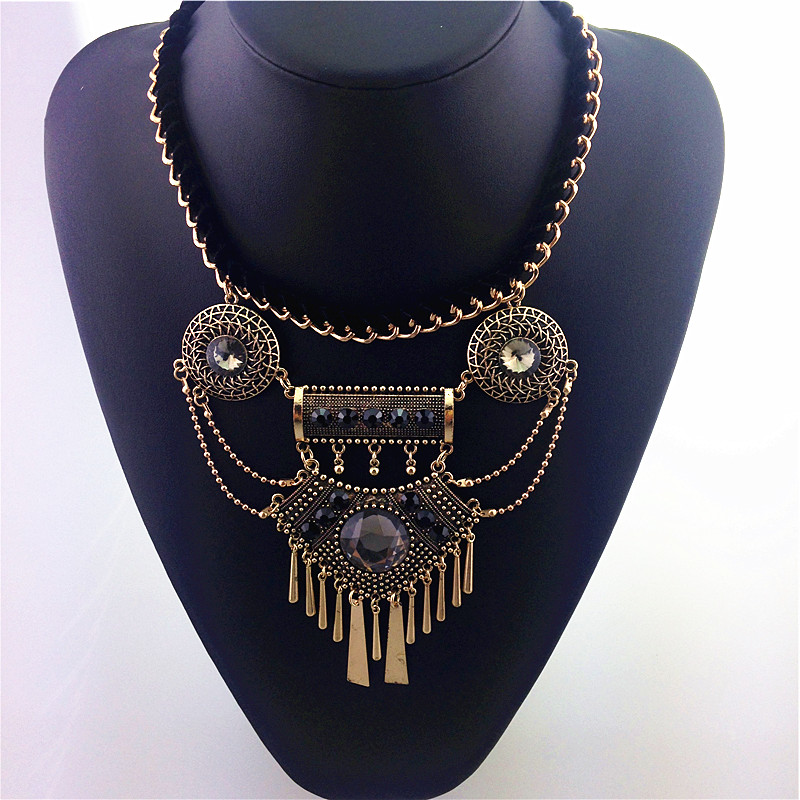 YiWu Spring Jewelry Imperial Luxury Crystal Statement Necklace Restoring Ancient Ways Factory Price Wholesale A Various Of Fashion Necklace Jewelry
