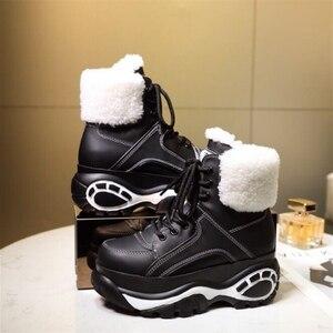 Image 2 - الشتاء موضة الأبيض أحذية نسائية عادية جلد طبيعي منصة رياضية عالية أعلى أحذية نسائية جديدة مريحة الصوف الأحذية الدافئة