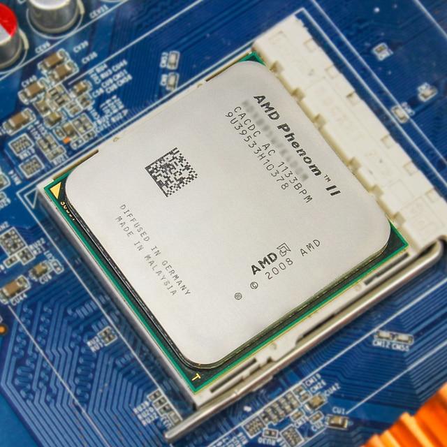 AMD Phenom II X6 1055T CPU Processor Six-Core (2.8Ghz/ 6M /95W ) Socket AM3 AM2+ 938 pin 3