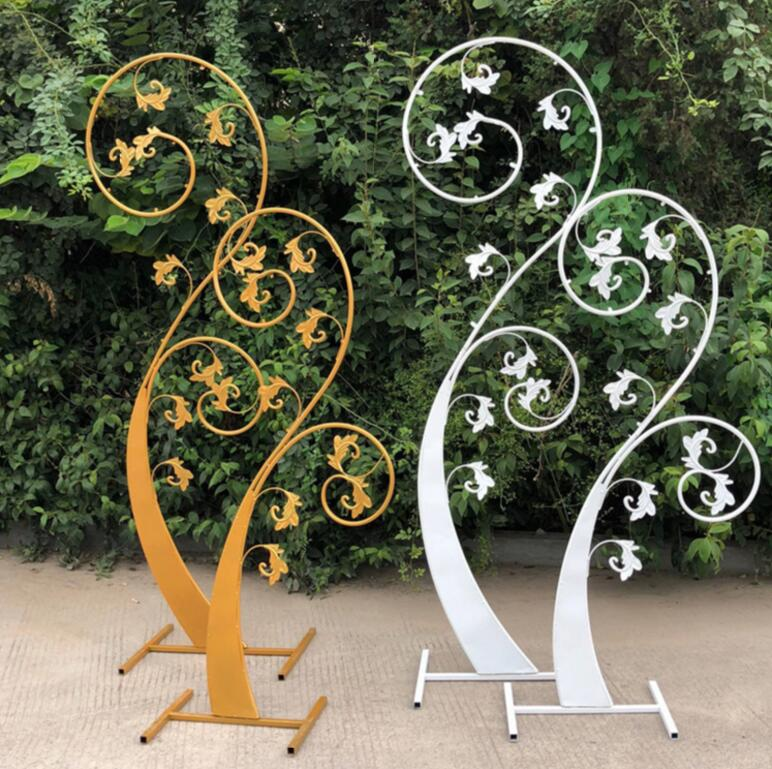 Novo casamento adereços, broto de arte do ferro, o tema do casamento, estágio de fundo, ornamentos decorativos, flores brotando.