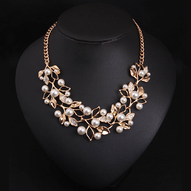 Statement Necklace 2017 Simulated Pearl Necklaces   Pendants Alloy Leaves  Personalized Women Collares Ethnic Jewelry 1716db9eab44