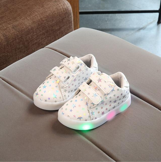 Новинка 2017 года осень Мода Дети Обувь с подсветкой обувь для детей Световой светящийся Спортивная обувь детские для маленьких мальчиков обувь для девочек 21-30