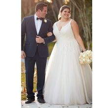 Plus Size Wedding Dresses 2019 V Neck Lace Appliques Tulle Bridal Dress Backless Gown