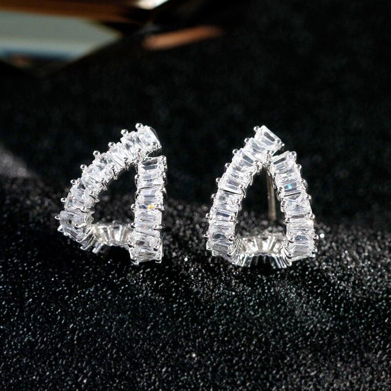 Danbihuabi Top Quality Simple Triangle Earrings Elegant Silver AAA Cubic Zirconia Stud Earrings Romantic Wedding Party Jewelery