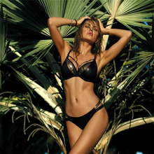 купить Sexy Bikini 2019 Swimsuit Women Swimwear Bikini Set Push Up Swimsuit Snake Skin Splicing Backless Bandage Swimwear Women Biquini по цене 642.19 рублей