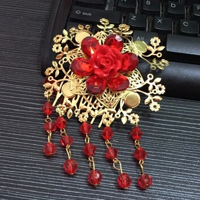 HIMSTORY Bridal Chinese traditional gold tone red bead rose dangle Flower Hair comb
