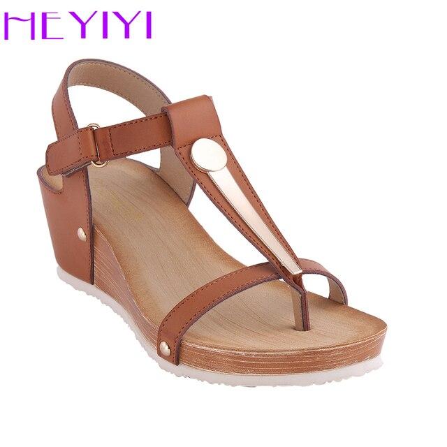 7a5c7ac3788c0 Kobiety Sandały Platformy Kliny Miękkie PU Skóra Lato T pasek Duży Rozmiar  Nity Metalowe Lekkie Camel