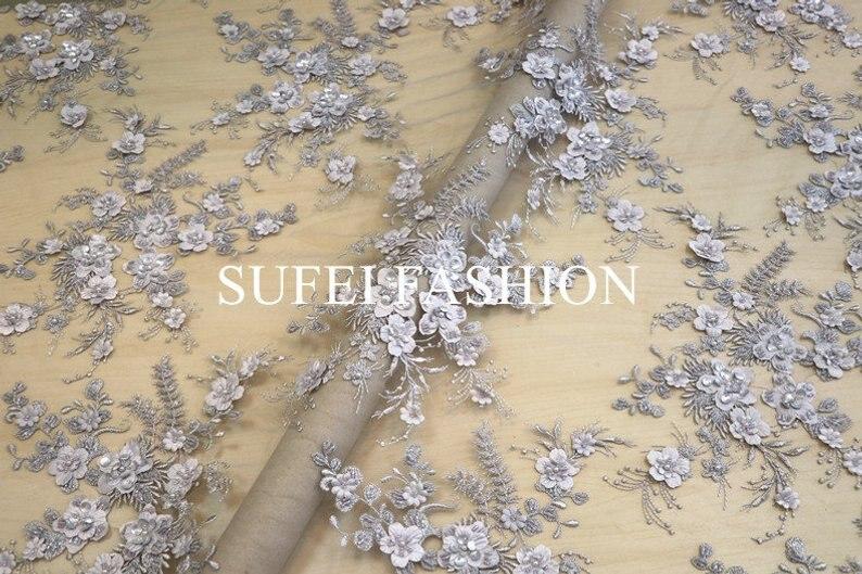 Tissu de dentelle française 3d gris avec fleurs 3D, tissu de dentelle florale 3D perle lourde, tissu de dentelle française perle lourde