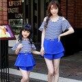 Семья взгляд девочка и мать семья комплект одежда для матери и дочери полоска комплект матери-дочери соответствующие одежда