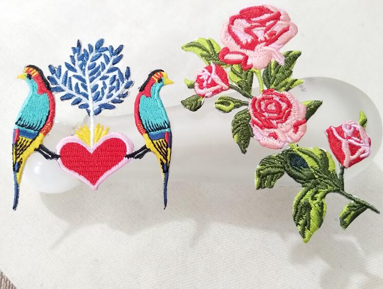 Iron On Flying Birds Round Flowers Embroidery Applique Patch Sew Iron Badge