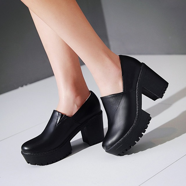 2016 Fashion Women Pumps high Heels square Round toe Platform woman shoes women party black white shoes big size 34-43