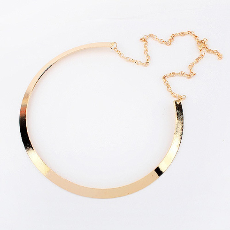 0e2161eb6862 Nueva moda Punk Metal mujeres Collar llamativo para el partido Collar de  cadena dorado de lujo Collar gargantilla collares de la joyería en Collares  de ...