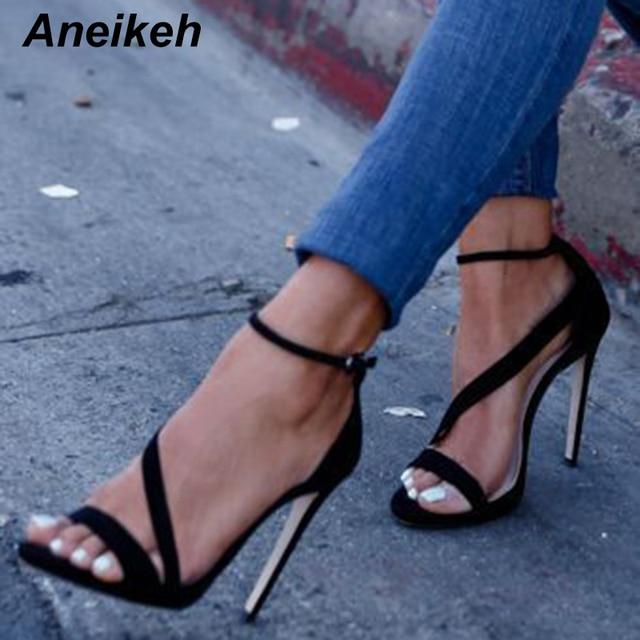 Aneikeh zapatos grandes talla 41 42 nuevo diseño Sexy mujer línea estilo hebilla tacones altos finos negro imitación gamuza abierto dedo vestido sandalias
