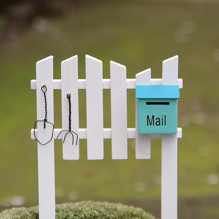Mini pryskyřičný plot a poštovní schránka / vílová zahrada / materiál pro kutily / bonsaje / dekorace na terase / pryskyřičná řemesla / milenci / dětské dárky /