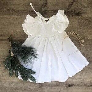 Image 3 - Perakende kız elbise bebek giysileri yaz beyaz yeşil parlama kollu fırfır güzel çocuklar kızlar için elbiseler E19074