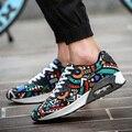 Los hombres Zapatos Casuales Zapatos de Deporte de Aire Cesta de Malla Transpirable Entrenadores Zapatillas Para Caminar Unisex Plana Impresa Color Mezclado Ocio