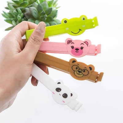 1Pcs/lot Animal motifs cartoon Portable New Kitchen Storage Food Snack Seal Sealing Bag Clips Sealer Clamp Plastic Tool