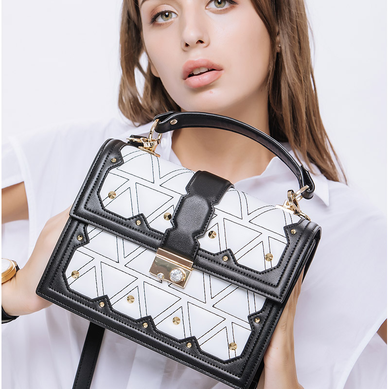 KZNI Genuine Leather Handbags Small Bag for Girl Real Leather Tote Bag Black Women Clutch Femmes Sac Bolsa Feminina 9089 kzni genuine leather bags for women leather handbags summer woman bag 2017 small handbag women famous brands sac femme 1412