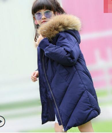 Hot Sale 2017 Kids Girls Fashion Warm Down Large Children's Wear Really raccoon fur collar Jackets Girl Child Warm Coat 2017 winter new clothes to overcome the coat of women in the long reed rabbit hair fur fur coat fox raccoon fur collar