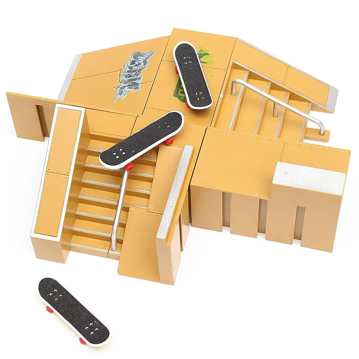 Skate Park Ramp Parts for Tech Deck Fingerboard Finger Board Parks Xmas Gift US