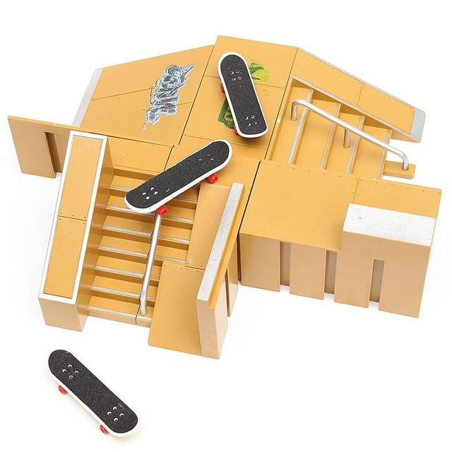 Skate Park Ramp Parts 3PCS Fingerboards Set For Tech Deck Fingerboard Finger Board Ultimate Parks 92B Professional Platform Toys