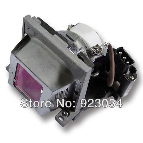 VLT-SD105LP  lamp with housing for MITSUBISHI SD105/SD105U  180Day Warranty opening 20 mm tripod with lamp red circle ship type switch kcd1 105 3 feet 2 file with lamp