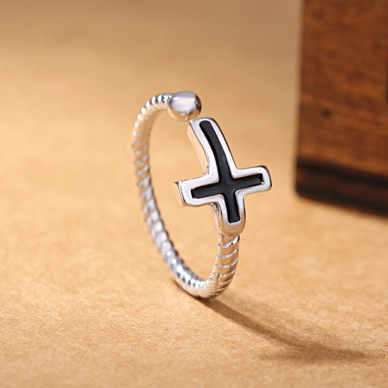 100% 925 sterling silver vintage style black cross ladies`open rings jewelry women finger ring wholesale no fade