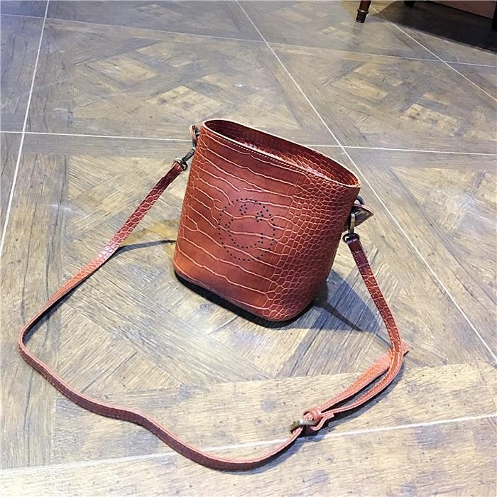ФОТО Smile Bucket Bag Women Shoulder Bags European And American Fashion Messenger Bags For Women Handbags Solid