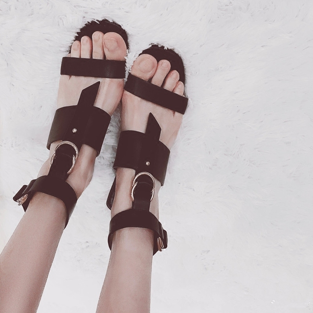 Black Color Woman Gladiator Open Toe High Heel Woman Sandals Metal Decor Ankle Strap Hommes Chaussures Hallow Out Summer Shoes