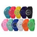 O envio gratuito de 2017 Moda Ice cream cor Ultra-fino moda relógio de presente de silicone Genebra silicone Relógio De Pulso W212
