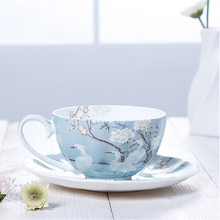 High quality coffee cup and saucers set Fine Bone China tea cups fashion design tazas de cafe espresso european 250ml