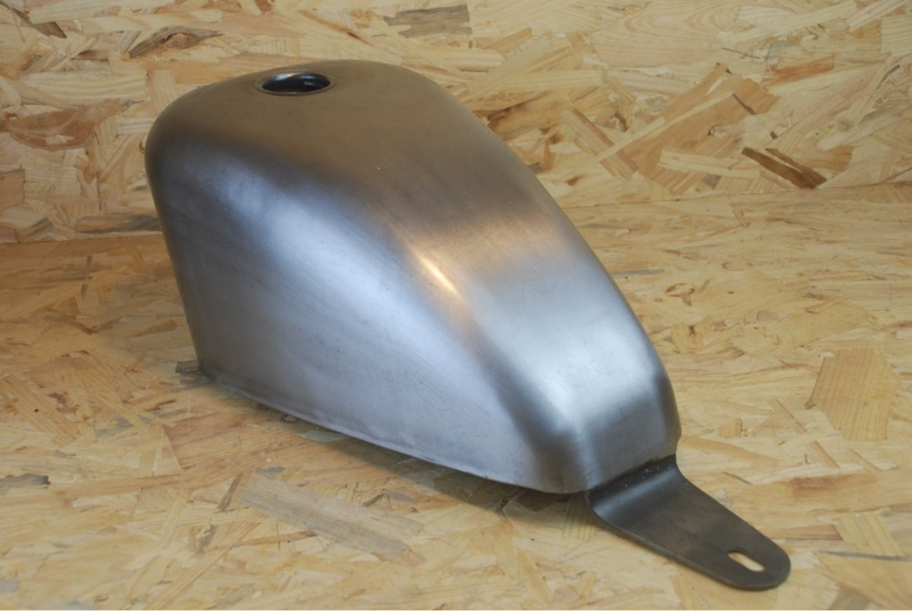 100% Handmade XV250 Fuel Tank with Mounting KIT Steel 7L Capacity Fit for YAMAHA XV250 tank with gas cap