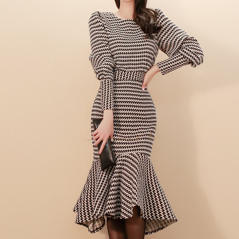 High Quality 2019 Winter Two Piece Set Slim Plaid Lanter Sleeve Top Bodycon Fishtail Skirt Knee-Length Suit Party Dress