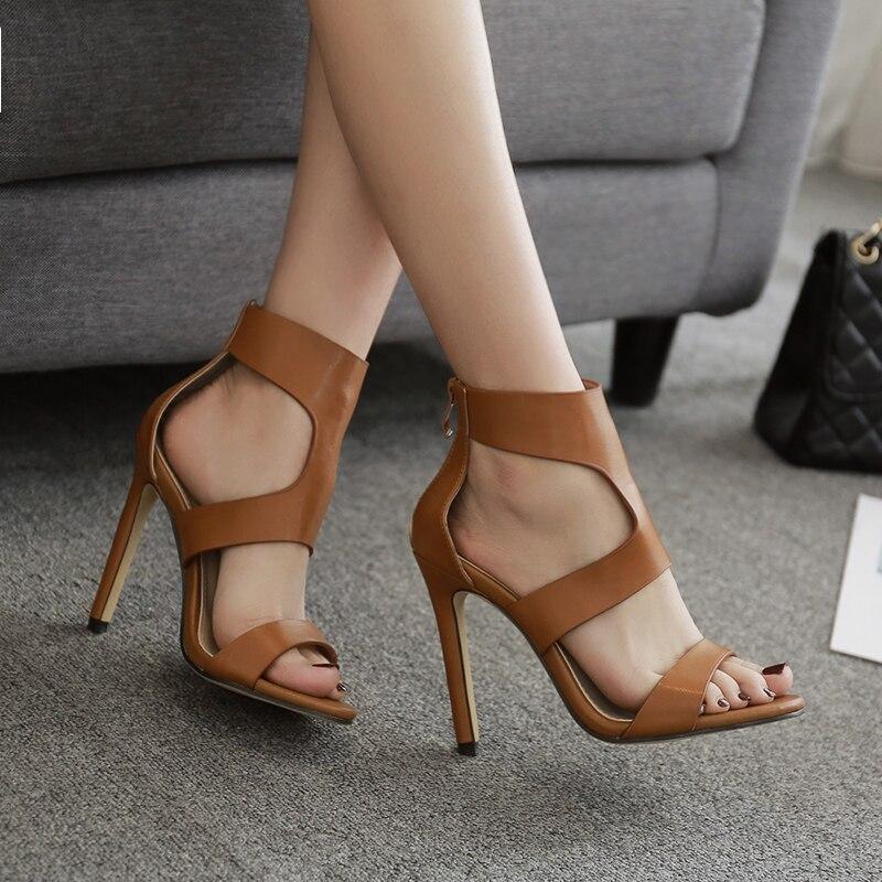 Sandales femme d'été fines à talons hauts creux croix style Rome fermoir dewy toe belles chaussures peep-toe chocolat