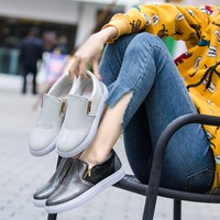 2019 spring new fashion simple solid color casual shoes women comfortable wild snakeskin flat shoes.
