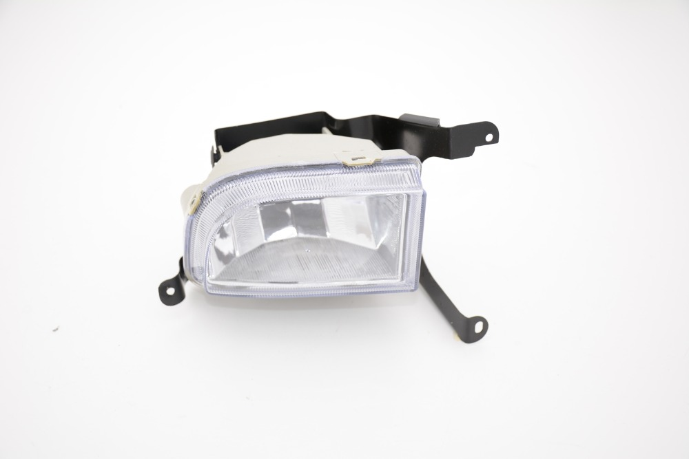 1Pcs front bumper driving fog light lamp right side for Suzuki Forenza 2004-2008 1pcs front halogen foglamps clear glass lens front fog light driving lamp for volkswagen passat b6 for right side