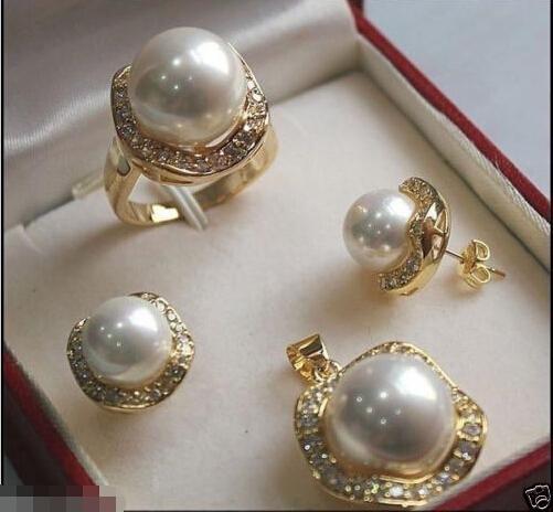 Urocza damska biżuteria ślubna darmowa wysyłka  elegancki 10mm i 14mm biały South perły typu Shell 18KGP kolczyki wisiorek pierścień zestaw tanie i dobre opinie Zestawy biżuterii Moda jewelry For Women s Party Face Zestawy biżuterii dla nowożeńców TRENDY Lovely Women s Wedding Jewelry