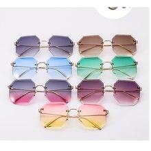 De cristal grande sin montura gafas de sol verdes de moda de marca lente  tonos para las mujeres 90 s grande octogonal gafas de s. ceec3c127aed