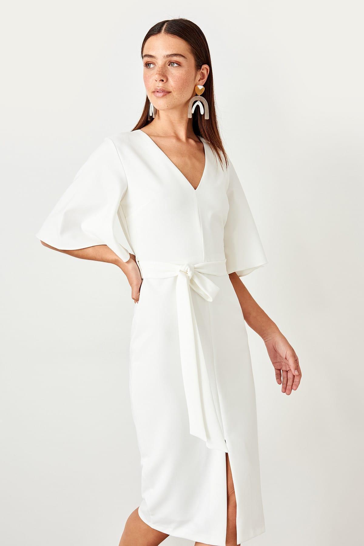 Trendyol Raw White Lacing Detail Dress TOFAW19BB0167