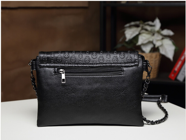 New 2017 rivet Women Messenger bags Brand Clutch Skull soft Women Leather Handbags Crossbody Bag Small Shoulder bag sac a main