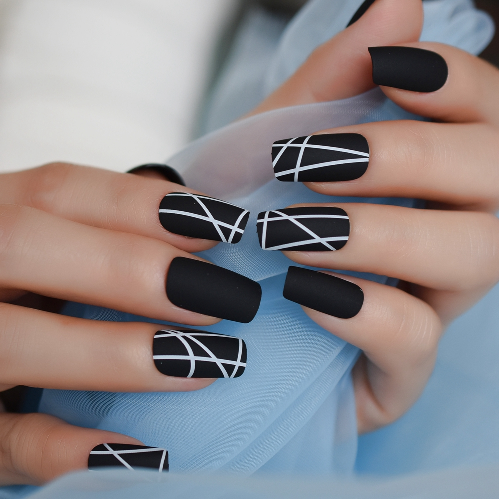 Matt Black Fake Nails Visible Trails Of Planets Faux Ongle Square Press On Finger Manicure With Adhesive Tabs 24