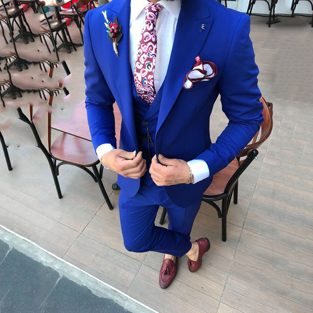 2019 Mens Wedding Tuxedos Tailor Made Peaked Lapel Ternos Masculino Slim Fit Mens Blazer Jacket Pants Vest Male Suit 3 Piece