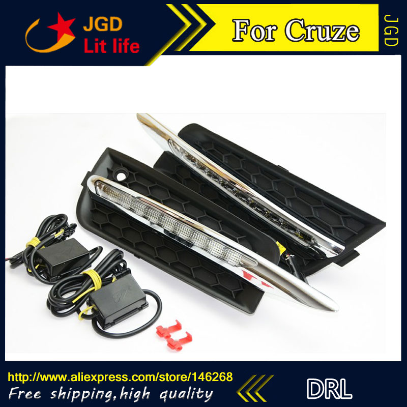 Free shipping ! 12V 6000k LED DRL Daytime running light for Chevrolet Cruze 2010-2012 Fog lamp frame Fog light Super White