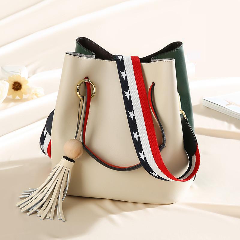 Здесь продается  Simple Leather Bucket Crossbody Handbag Shoulder Bag Korean Bags All-match Satchel Tide Luxury Handbags Women Bags Designer  Камера и Сумки