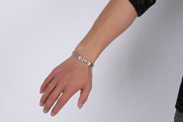 Купить женский браслет из нержавеющей стали с магнитами германия
