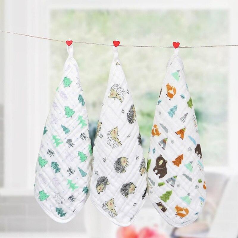 Random Newborn Baby Bib Six Layer Cotton Gauze Cute Cartoon Printing With Hook Square Scarf Triangle Towel Handkerchief Soft Bib
