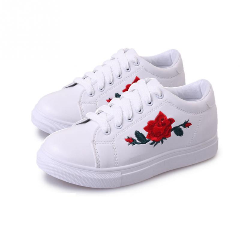 HTB1gicRSXXXXXcUXFXXq6xXFXXXK - Women  Flower Creepers Flat Shoes JKP037