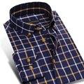 Primavera 2017 homens Jovens Contraste Xadrez Vestido de Camisa de manga Longa Colarinho quadrado Botão Para Baixo 100% Algodão Ocasional Slim Fit Homens camisas